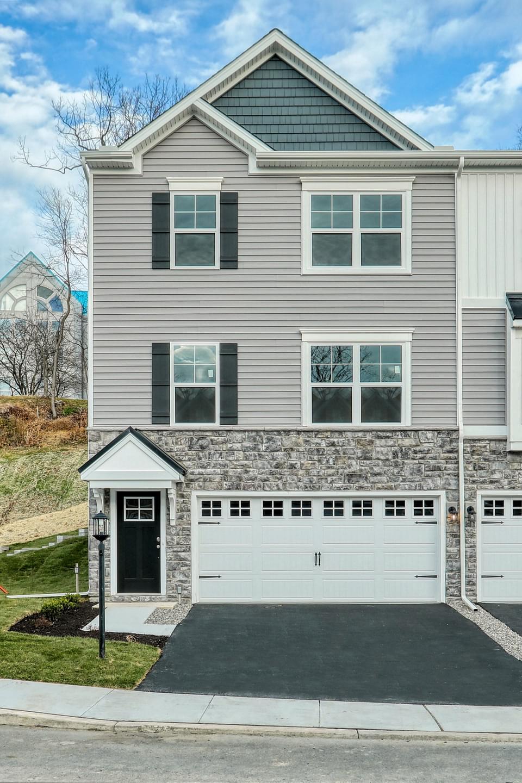1,949sf New Home in Stewartstown, PA